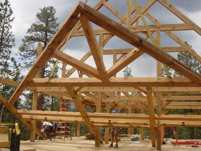 Raising The Timber Frame 187 Wind River Timberframes